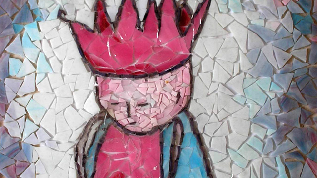 Kindergrafsteentje in mozaiek door Lieke van Dommelen.